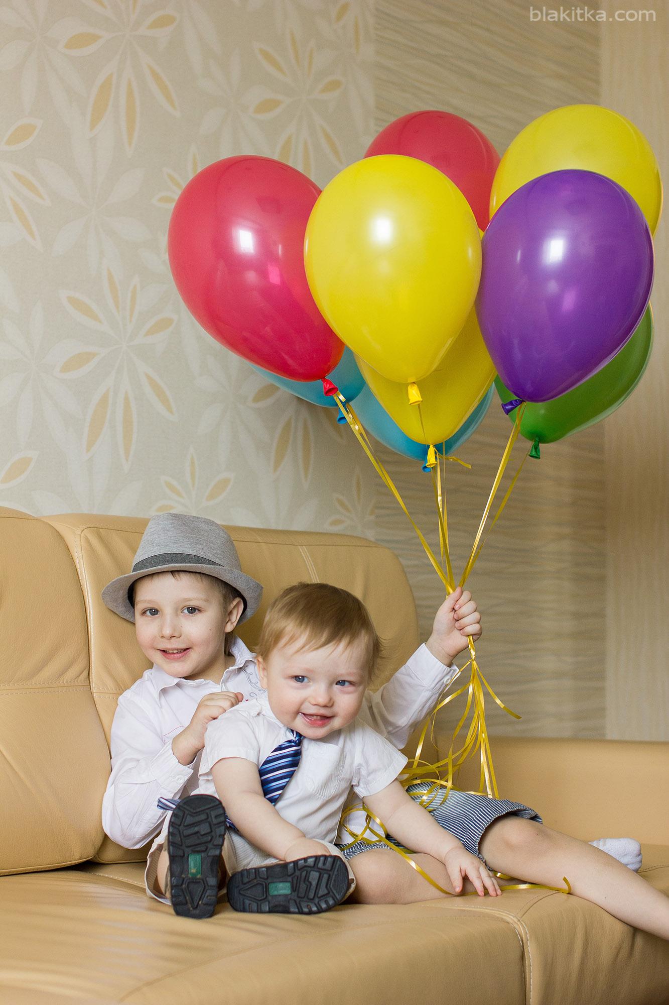 White boys with balloons